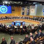 Кризис МВФ и мародерство на Украине