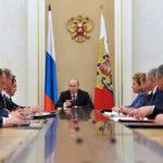Президент переключил Россию на ручной режим