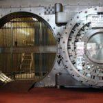 Зарождение бунта против денежной алхимии банкиров