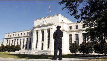 كيف سقطت الدولة الأمريكية ثم العالم بأسره أمام نظام الإحتياطي الفيدرالي ومن يقف وراءه؟