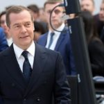 Александр Ситников. Почему Всемирный банк «лайкает» премьера Медведева