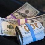 Экономист заявил, что миллиардеры откажутся от доллара