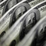 Доллар исчезнет за сутки: эксперт раскрыл, что надо сделать для краха валюты