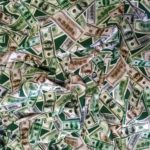 Валентин Катасонов: Бумажные доллары могут исчезнуть 28 июня 2021 года